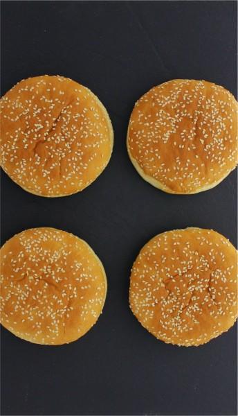Burgerbrötchen Classic mit Sesam tiefgekühlt (4 Stück)